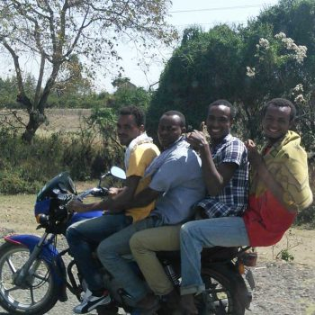 דמויות-אופנוע-3-רוכבים