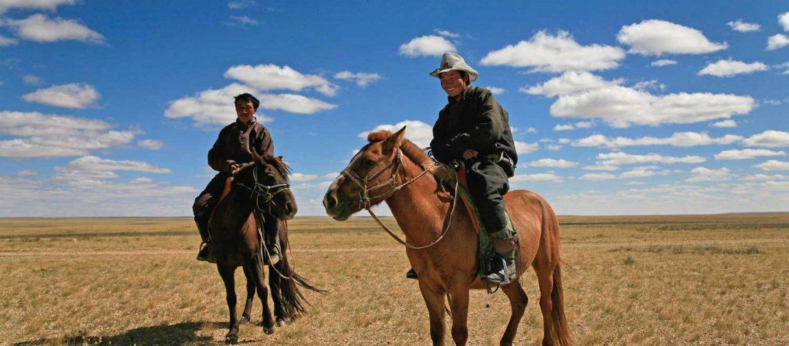 רוכבים-במדבר